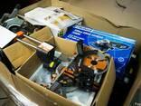 Паллеты с электроинструментом и аксессуарами - фото 1